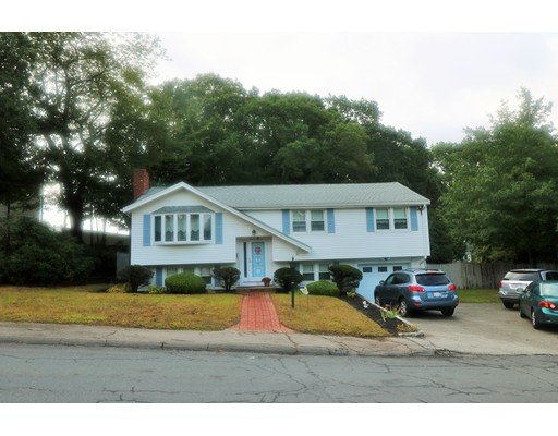Single Family Home for Sale at 27 Altair Avenue 27 Altair Avenue Braintree, Massachusetts 02184 United States