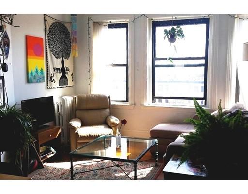 Casa Unifamiliar por un Alquiler en 924 Beacon Street Boston, Massachusetts 02215 Estados Unidos