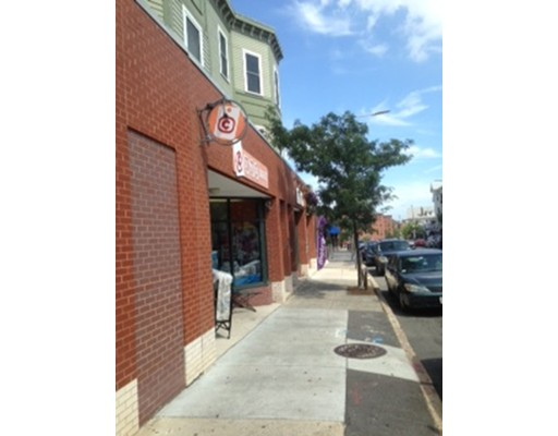 Prime retail space, with store front located in the heart of Jamaica Plain. This unit sits only one block from Whole Foods Market, and is on the ground level of a recently developed condo complex. The location welcomes endless passerby traffic, and would be ideal for a variety of establishments!