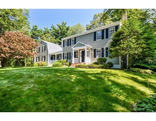 Casa Unifamiliar por un Venta en 16 Olde Meadow Road 16 Olde Meadow Road Marion, Massachusetts 02738 Estados Unidos