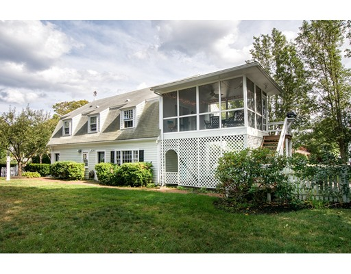 Casa Unifamiliar por un Alquiler en 10 Pondview Ave (Winter Rental) Scituate, Massachusetts 02066 Estados Unidos
