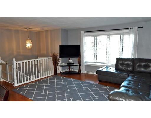 Casa Unifamiliar por un Venta en 139 Ann Street Raynham, Massachusetts 02767 Estados Unidos