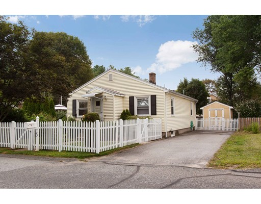 Single Family Home for Sale at 5 Perry Street 5 Perry Street Smithfield, Rhode Island 02917 United States