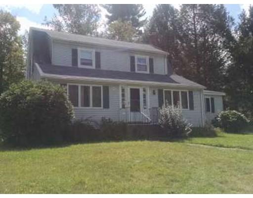 Maison unifamiliale pour l à louer à 27 Oak St #0 Berlin, Massachusetts 01503 États-Unis