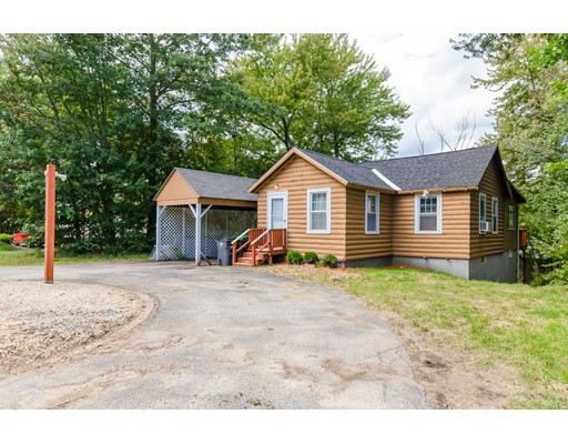 واحد منزل الأسرة للـ Sale في 1632 Hooksett Road Hooksett, New Hampshire 03106 United States
