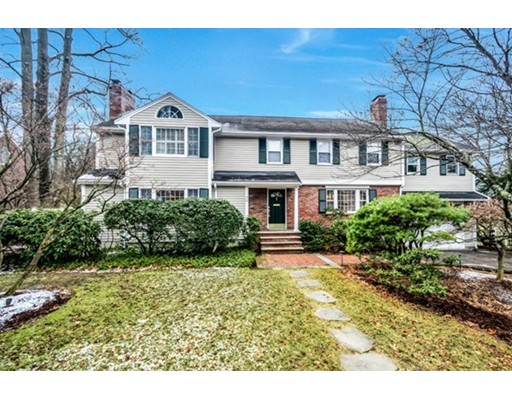 Частный односемейный дом для того Продажа на 11 Herrick 11 Herrick Winchester, Массачусетс 01890 Соединенные Штаты