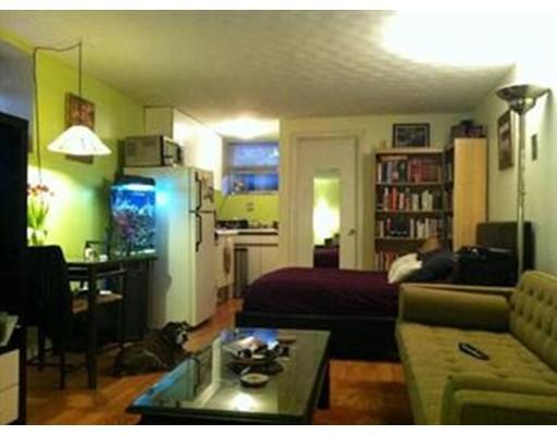 公寓 为 出租 在 1172 Massachusetts Avenue #3 1172 Massachusetts Avenue #3 坎布里奇, 马萨诸塞州 02138 美国