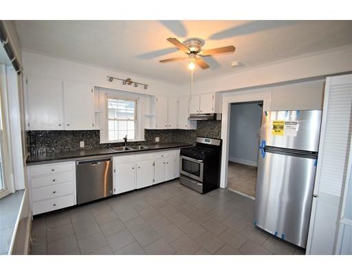 独户住宅 为 出租 在 1899 Hyde Park Avenue 波士顿, 马萨诸塞州 02136 美国