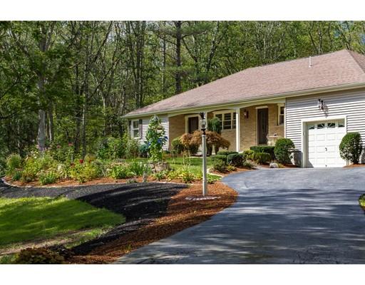 独户住宅 为 销售 在 124 Hopkinton Road 厄普顿, 马萨诸塞州 01568 美国