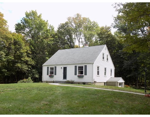Single Family Home for Sale at 17 Spring Street Foxboro, Massachusetts 02035 United States