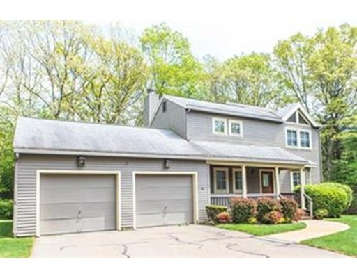 Casa Unifamiliar por un Alquiler en 36 Cannon Forge Drive 36 Cannon Forge Drive Foxboro, Massachusetts 02065 Estados Unidos