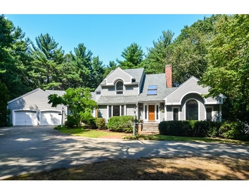 Single Family Home for Sale at 86 York Road Mansfield, Massachusetts 02048 United States