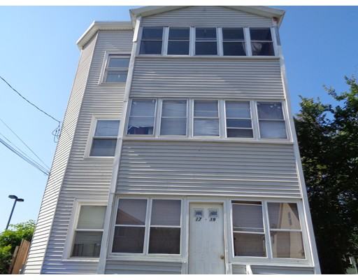 独户住宅 为 出租 在 17 Quebec Street Springfield, 01151 美国