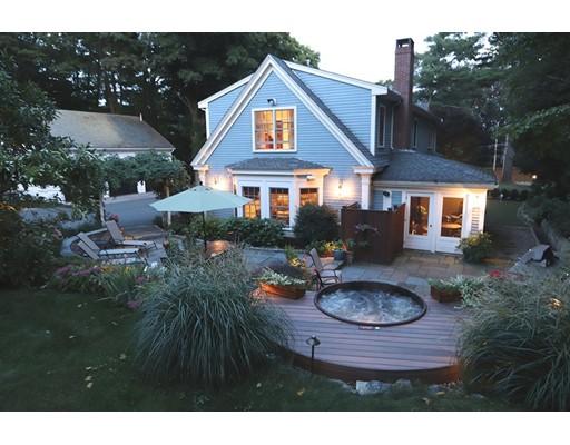 Maison unifamiliale pour l Vente à 205 Main Street 205 Main Street Wenham, Massachusetts 01984 États-Unis
