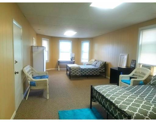 多户住宅 为 销售 在 25 Warren Avenue 莫尔登, 马萨诸塞州 02148 美国