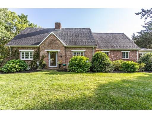 Casa Unifamiliar por un Venta en 143 Warren St W Raynham, Massachusetts 02767 Estados Unidos