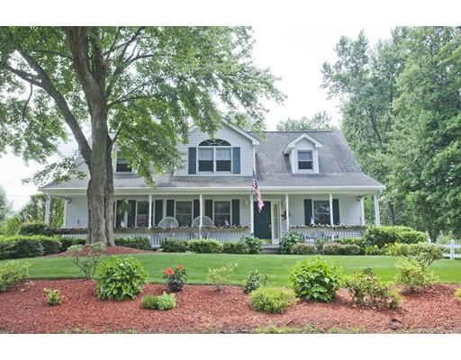 Maison unifamiliale pour l Vente à 280 Leonard Street 280 Leonard Street Agawam, Massachusetts 01001 États-Unis