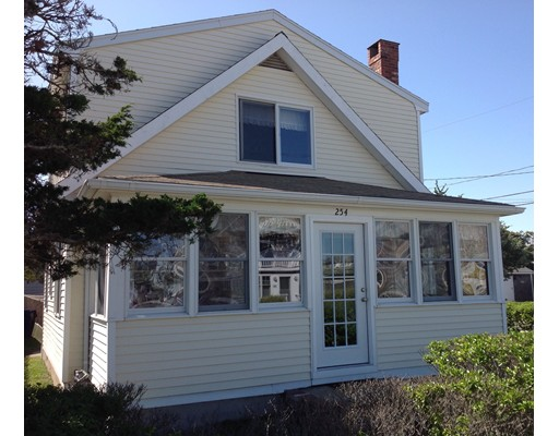 Casa Unifamiliar por un Alquiler en 254 Gurnet Road 254 Gurnet Road Duxbury, Massachusetts 02332 Estados Unidos