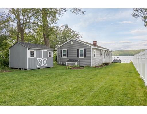 Частный односемейный дом для того Продажа на 28 Lakeview Ter Burrillville, Род-Айленд 02859 Соединенные Штаты