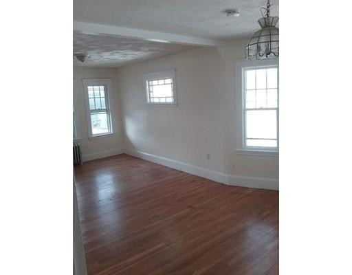 独户住宅 为 出租 在 124 Elm Street Everett, 马萨诸塞州 02149 美国