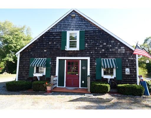 Многосемейный дом для того Продажа на 223 Tremont Street Carver, Массачусетс 02330 Соединенные Штаты