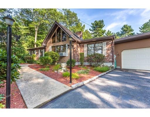 Casa Unifamiliar por un Venta en 855 Pleasant Street Raynham, Massachusetts 02767 Estados Unidos