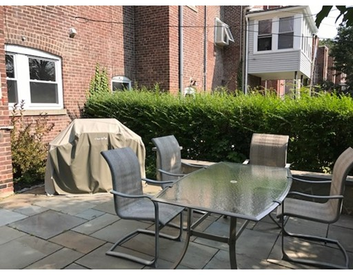 Additional photo for property listing at 40 Leamington Road  Boston, Massachusetts 02135 Estados Unidos