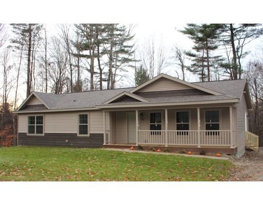 واحد منزل الأسرة للـ Sale في 198 Birnam Road 198 Birnam Road Northfield, Massachusetts 01360 United States
