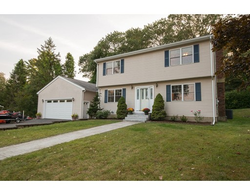 16 Abell Ave, Ipswich, MA 01938