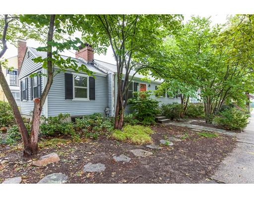 Maison unifamiliale pour l Vente à 4 Bridges Avenue 4 Bridges Avenue Newton, Massachusetts 02460 États-Unis
