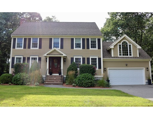 Single Family Home for Sale at 25 Cedar Street North Reading, Massachusetts 01864 United States