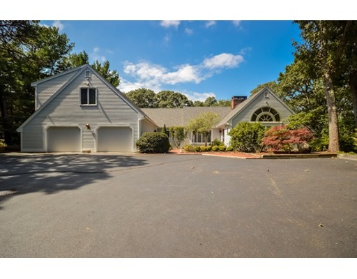 Casa Unifamiliar por un Venta en 443 Elliott 443 Elliott Barnstable, Massachusetts 02632 Estados Unidos