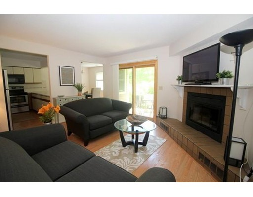 Casa Unifamiliar por un Alquiler en 1304 Tuckers Lane 1304 Tuckers Lane Hingham, Massachusetts 02043 Estados Unidos