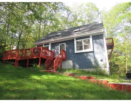 Maison unifamiliale pour l Vente à 52 Lake Shore Blvd 52 Lake Shore Blvd Stafford, Connecticut 06076 États-Unis