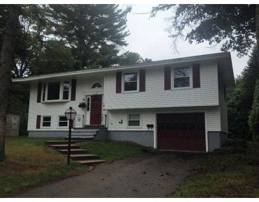 Single Family Home for Rent at 19 Bradford Road 19 Bradford Road Hudson, Massachusetts 01749 United States