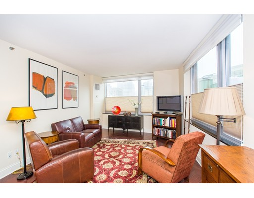 Picture 3 of 1 Charles St S Unit 912 Boston Ma 2 Bedroom Condo