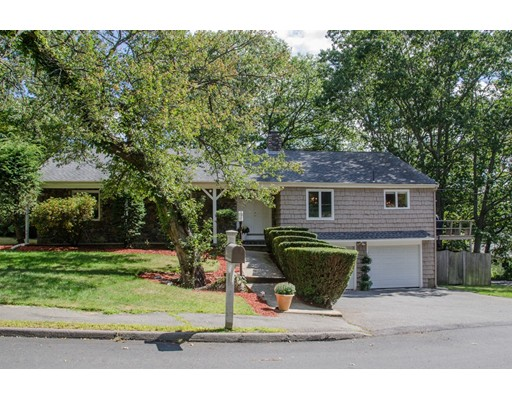 Picture 2 of 5 Lawrence Dr  Marblehead Ma 4 Bedroom Single Family