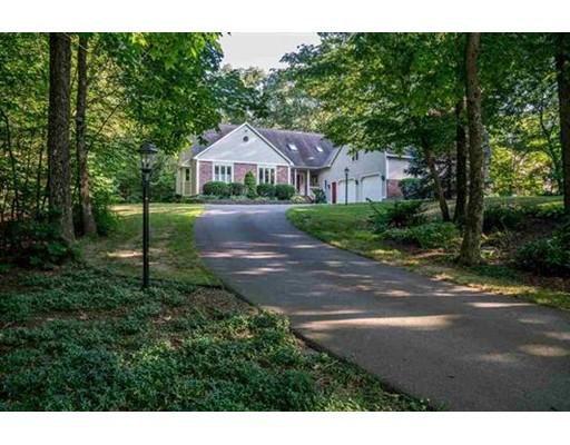 Maison unifamiliale pour l Vente à 9 Canterbury Road Windham, New Hampshire 03087 États-Unis