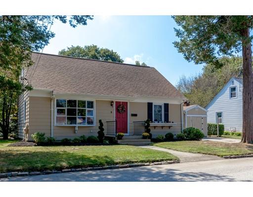 Casa Unifamiliar por un Venta en 8 Brookfield Drive Cranston, Rhode Island 02920 Estados Unidos