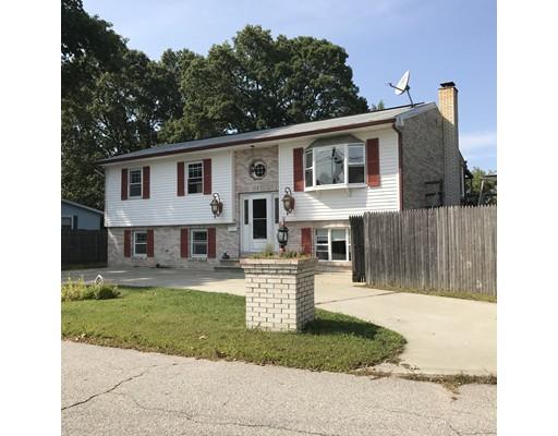 Частный односемейный дом для того Продажа на 21 Beeckman Avenue 21 Beeckman Avenue Cranston, Род-Айленд 02920 Соединенные Штаты