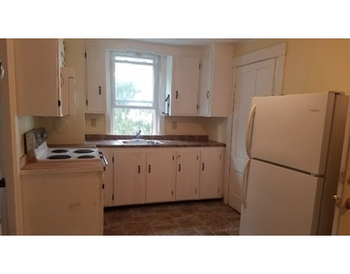 独户住宅 为 出租 在 112 East Water Rockland, 马萨诸塞州 02370 美国