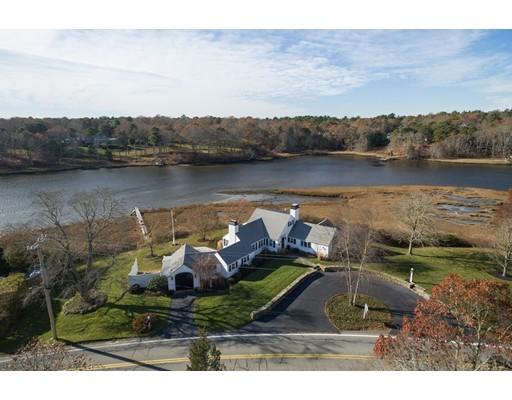 Casa Unifamiliar por un Venta en 251 Bay Lane 251 Bay Lane Barnstable, Massachusetts 02632 Estados Unidos