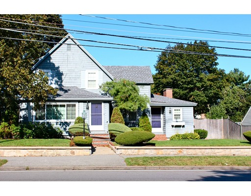 Picture 2 of 23 Farm St  Wakefield Ma 3 Bedroom Single Family