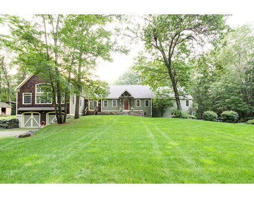 Single Family Home for Sale at 95 Turner Road 95 Turner Road Townsend, Massachusetts 01469 United States