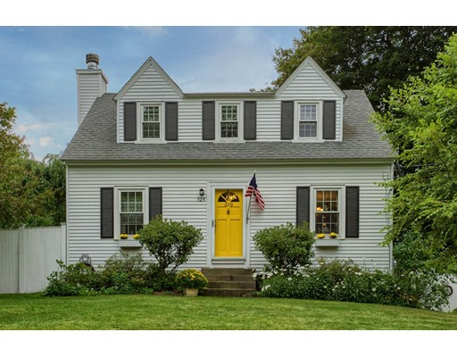 Single Family Home for Sale at 329 Main Street Groton, Massachusetts 01450 United States