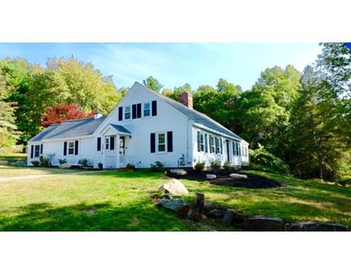 واحد منزل الأسرة للـ Sale في 1546 West Street Stoughton, Massachusetts 02072 United States