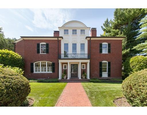 Maison unifamiliale pour l Vente à 38 Suffolk Road 38 Suffolk Road Newton, Massachusetts 02467 États-Unis