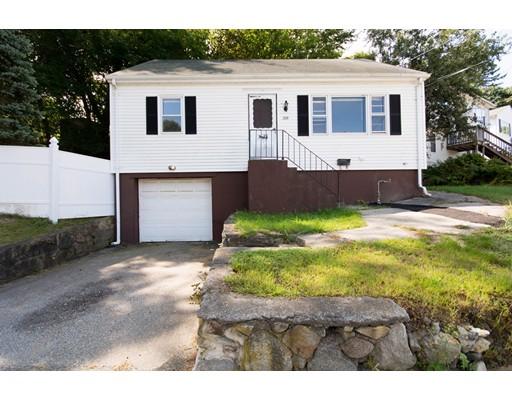 Casa Unifamiliar por un Venta en 208 Killingly Providence, Rhode Island 02909 Estados Unidos