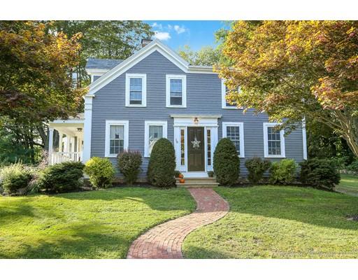 واحد منزل الأسرة للـ Sale في 18 Broad Street 18 Broad Street Groveland, Massachusetts 01834 United States