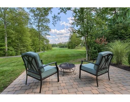 شقة بعمارة للـ Sale في 208 Fairway Drive Northbridge, Massachusetts 01534 United States